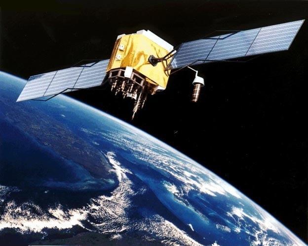 естественные и исскуственные спутники земли: