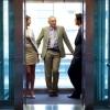 О вашей самооценке расскажет место в лифте
